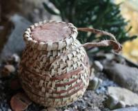 Körbchen rund mit Deckel  Inhalt: 30 g Weihrauch